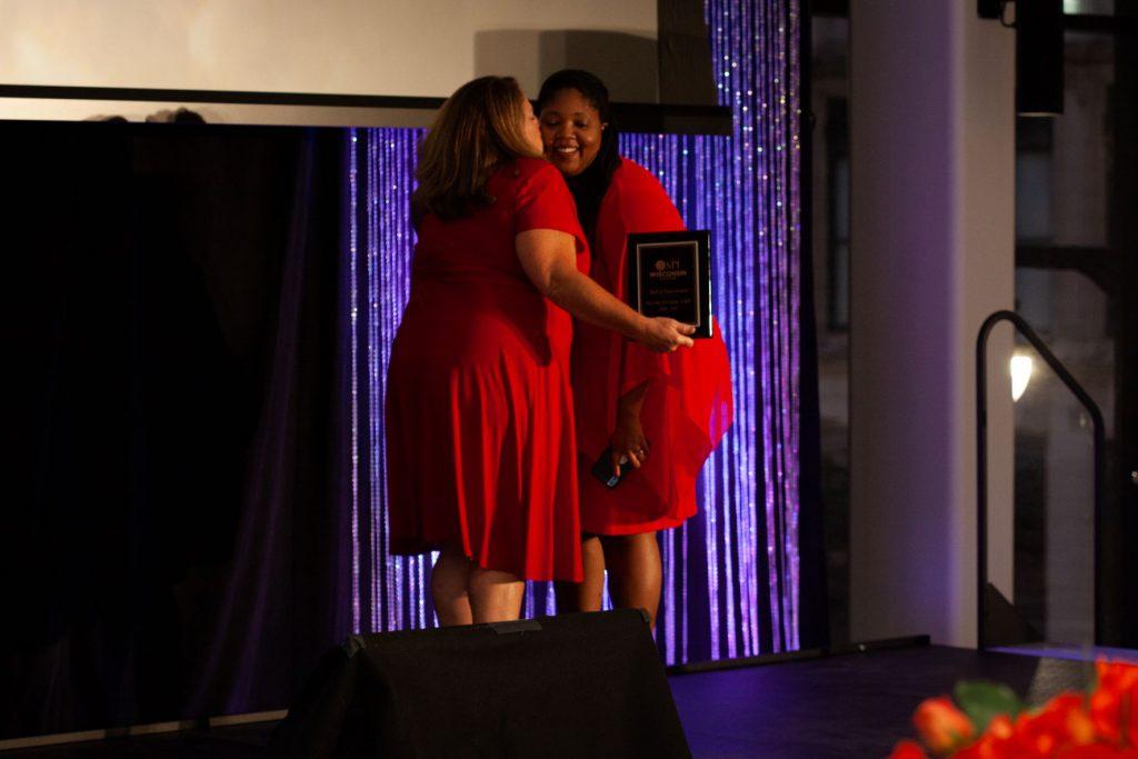 Hall of Fame MPI-WI Naomi and Mae